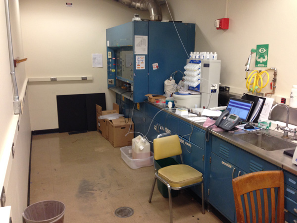 Peptide synthesis laboratory